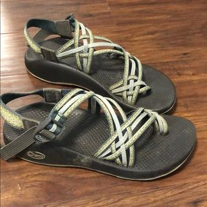 triple strap chacos